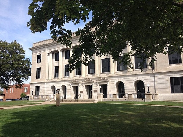 Pettis County Courthouse
